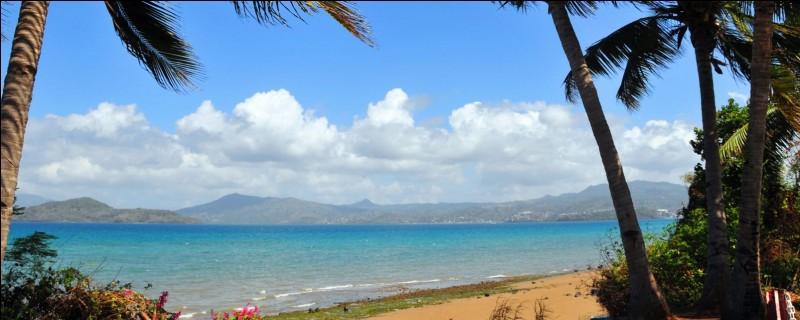 Mayotte est constituée de deux grandes îles principales : Grande-Terre et Basse-Terre.