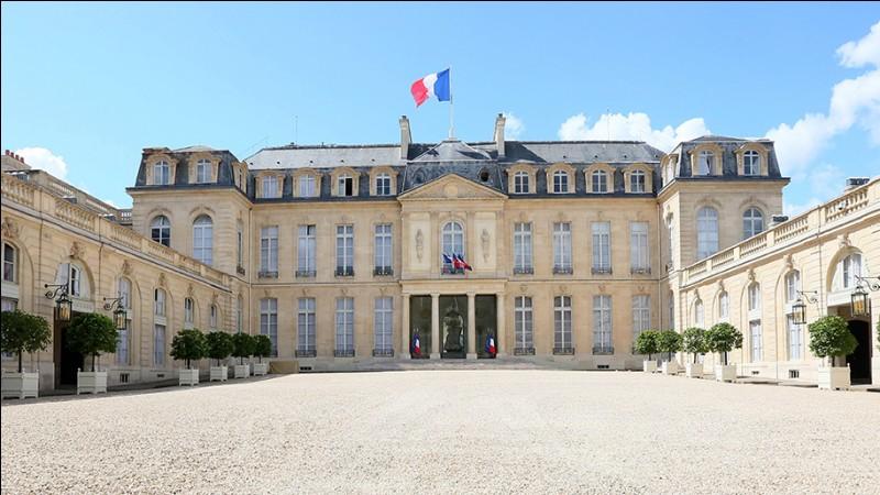 Quel est cet édifice où réside officiellement le président de la République française ?