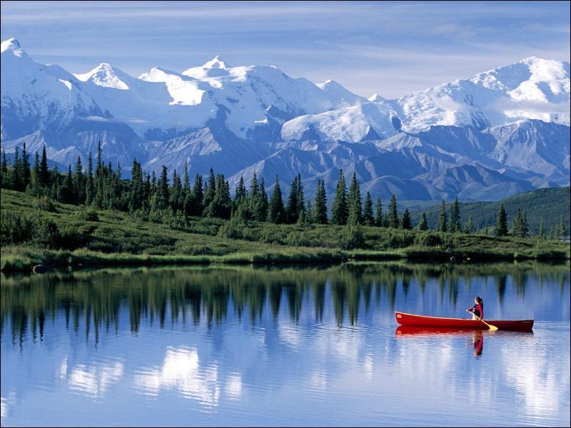 Où se situe l'Alaska par rapport aux Etats-Unis ?