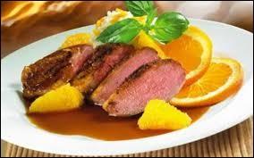 Quelle volaille associe-t-on à l'orange d'après une célèbre recette ?