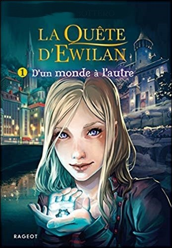 """Quel est l'auteur de la trilogie de fiction fantastique """"La Quête d'Ewilan"""" ?"""