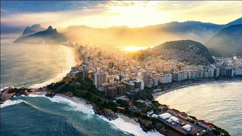 Où se situe Rio de Janeiro ?