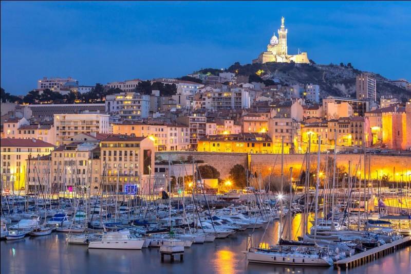 Où se situe Marseille ?