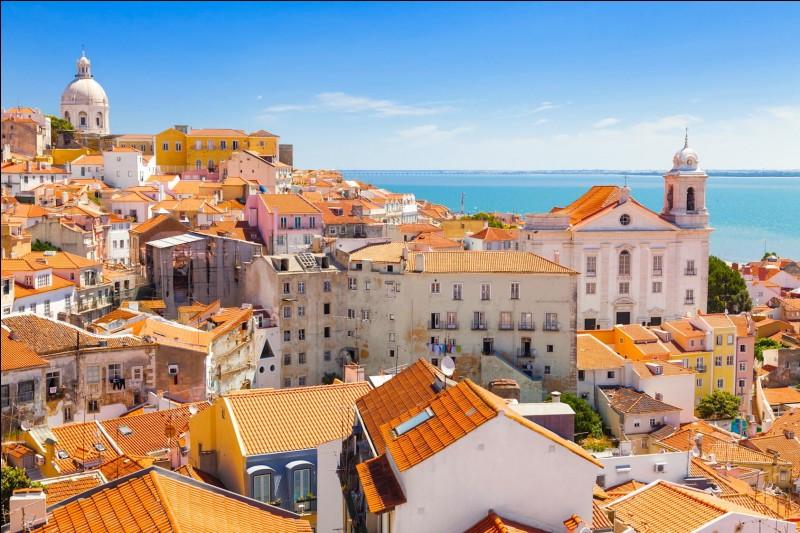 Où se situe Lisbonne ?