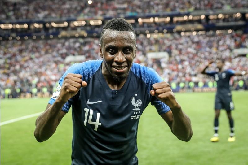 Je suis né le 9 avril 1987 à Toulouse, je suis milieu de terrain à la Juventus de Turin, je suis actuellement à 9 buts marqués avec la France.