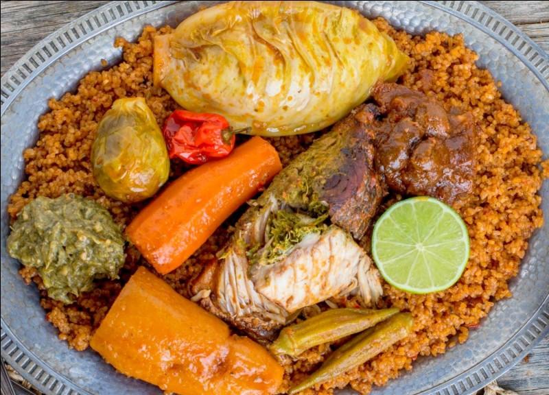 Thieboudienne : à base de riz, de poisson, de sauce tomate, et des légumes comme chou, carotte, manioc. Mafé : Sauce à base de pâte d'arachide. Quel est le pays d'origine de ces deux plats ?