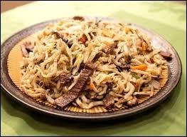 Tsuivan : pâtes cuites à la vapeur, avec des carottes, de spommes de terre et des morceaux de mouton.Khorkhog : morceaux de moutons accompagnés de légumes et cuits avec des pierres chaudes que l'on place à l'intérieur d'une grosse marmite. Quel est le pays d'origine de ces deux plats ?