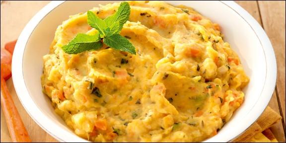 Stoemp : purée de pommes de terre mélangée avec un ou plusieurs légumes (brocolis, carottes, chou etc...) aromatisée au thym et laurier Waterzooï : plat unique de poulet ou de poisson, accompagné de légumes, servi dans une soupière et des assiettes à soupe, dont le bouillon (avec un jaune d'œuf), ou le fumet, est lié à la crème ou au beurre.Quel est le pays d'origine de ces deux plats ?