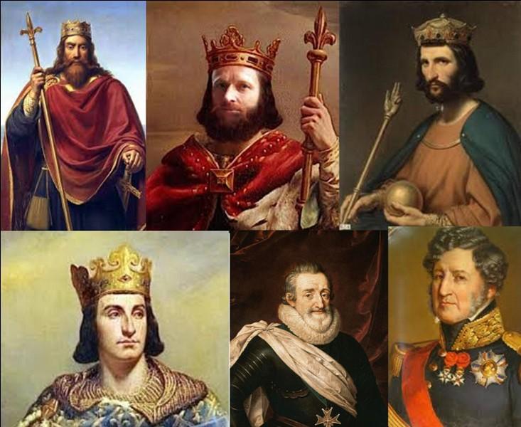 Parlons des différentes dynasties principales qui ont régné sur la France.En ne prenant pas en compte la dynastie impériale (Napoléon 1e et Napoléon III) combien y-a-t-il eu de dynasties régnantes ?