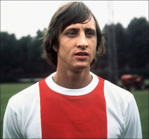 Qui est cet ancien joueur néerlandais ?