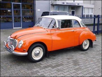 Cette voiture allemande, dotée d'un moteur 3 cylindres 2 temps de 1000 cm3, est une ...