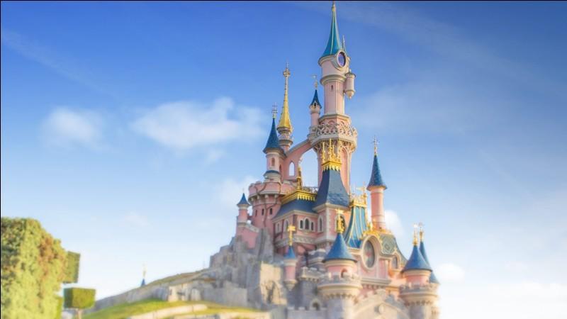 Quand le parc Disneyland Paris a-t-il ouvert ses portes pour la 1re fois ?