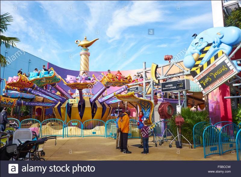 Combien y a-t-il de manèges à Disney ?