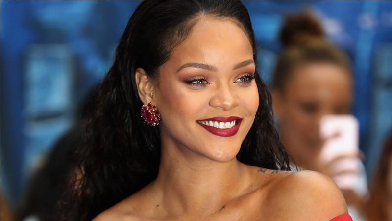 """Avec quel guitariste, Rihanna et Kenny Wast chantent-ils dans leur chanson """"ForFiveSecond"""" ?"""