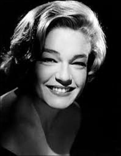 De son vrai nom Simone Kaminker, Simone Signoret est une actrice et écrivaine née le 25 mars 1921 à Wiesbaden en Allemagne. Icone du cinéma français, elle reçut durant sa carrière beaucoup de récompenses dont un César en 1978 comme meilleure actrice dans le film ''La vie devant soi''. Restée célèbre comme ''Casque d'or'', de Jacques Becker. Quel acteur joue à ses côtés le rôle de ''Manda'' ?