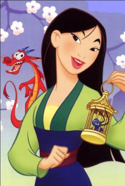 Qui donne un criquet (porte-bonheur) à Mulan ?