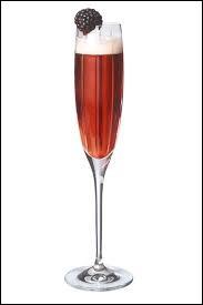 Quel alcool ajoute-t-on à la crème de cassis pour obtenir un Kir Royal ?