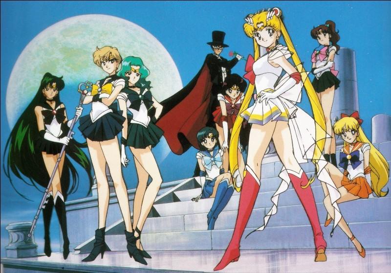 Au tout début de Sailor Moon qui est la première personne envoûtée ?