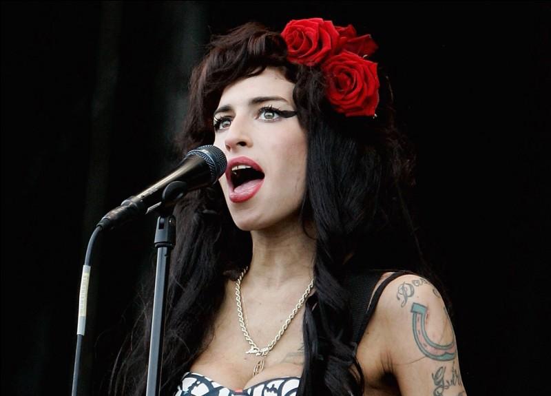 Qui est cette chanteuse ?