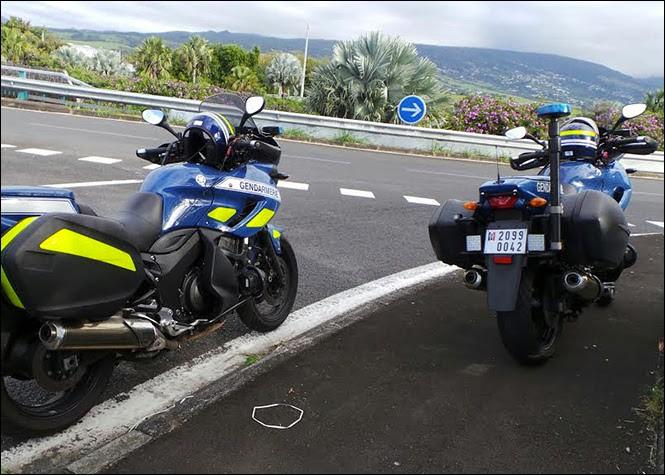 Pendant ce temps sur l'axe rapide, les motards effectueront un contrôle de vitesse. Quelle route est un axe rapide parmi les propositions suivantes ?