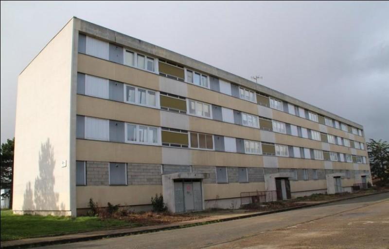 Cet immeuble sert aussi à l'entraînement, notamment aux interpellations à domicile. En France, quelle est l'heure d'interpellation légale ?