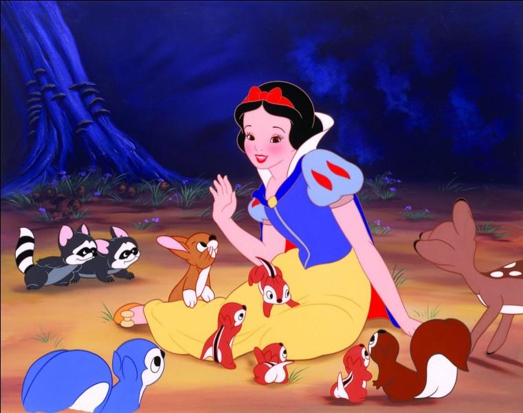 Quelle fille est en compagnie de 7 nains ?