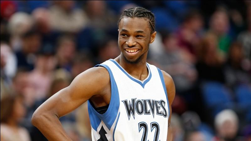 Quel est ce basketteur canadien des Wolves ?