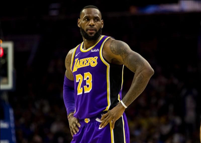 Quel est ce basketteur américain des Lakers ?