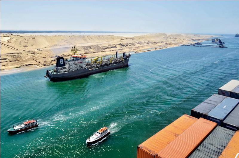 Quelle a été la cause de la crise du canal de Suez ?