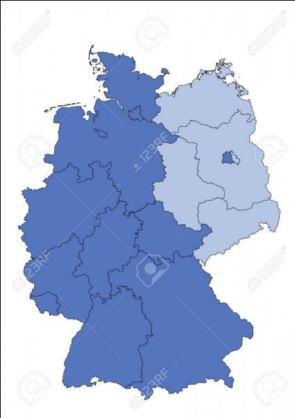 Durant cette phase de division quelle était la capitale de l'Allemagne de l'Ouest ?