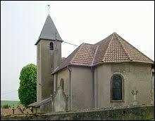 Nous sommes maintenant dans l'ancienne région Lorraine, devant l'église Saint-Pierre de Buchy. C'est un village situé dans le département ...