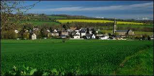 Village Calvadosien, Épinay-sur-Odon se situe dans l'ancienne région ...