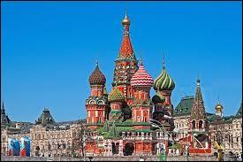 Où se situe cette cathédrale ? (cathédrale Saint-Basile)