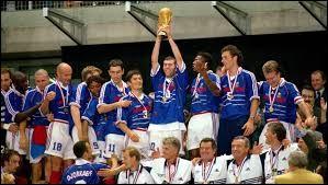 Quel jour du mois de juillet 1998 a eu lieu la finale de la Coupe du monde de football ?