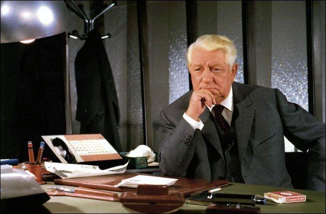 """Dans quel film Gabin dit-il """"Quand on mettra les cons sur orbite, t'as pas fini de tourner...""""?"""