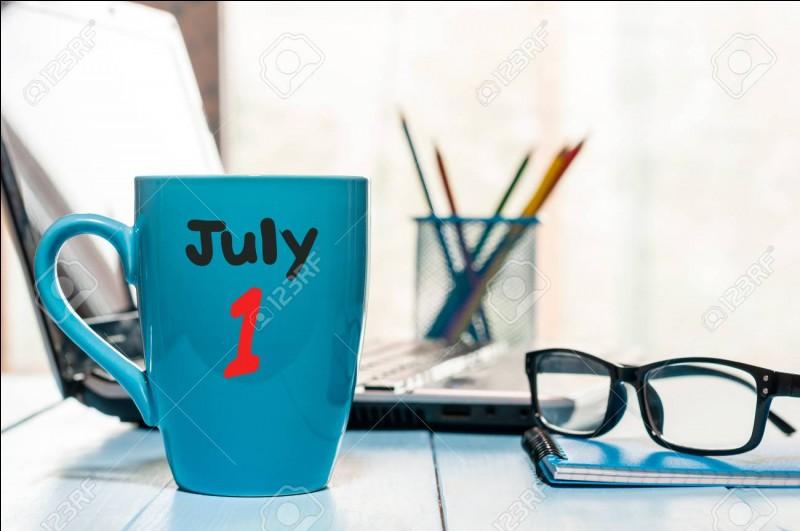 """""""Le premier juillet deux mille dix-neuf tombe un lundi.""""Combien de déterminant(s) compte la phrase ?"""