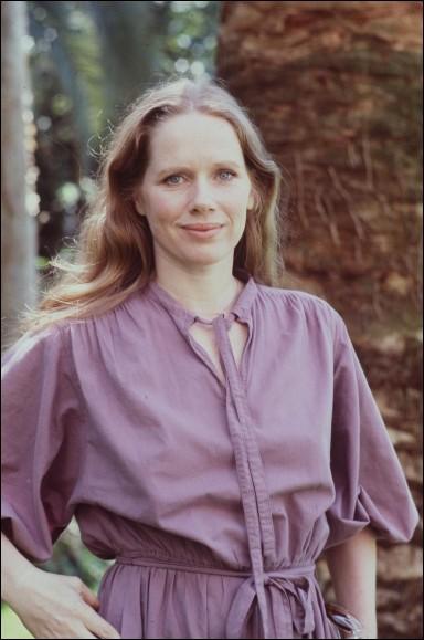 """Actrice, elle a joué dans """"Les Émigrants"""" de Jan Troell en 1975 et dans plusieurs films d'Ingmar Bergmann """"Scènes de la vie conjugale"""", """"Cris et chuchotements"""", c'est ... Ullmann."""