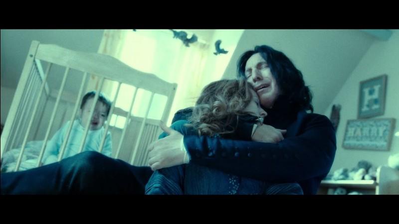 Pourquoi protège-t-il et aide-t-il Harry principalement ?