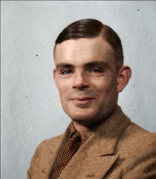 Le mathématicien Alan Turing est né en...