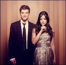 Où Aria et Ezra se rencontrent-ils ?