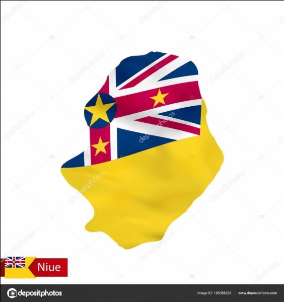 Le plus petit point culminant d'un pays se trouve à Niue.