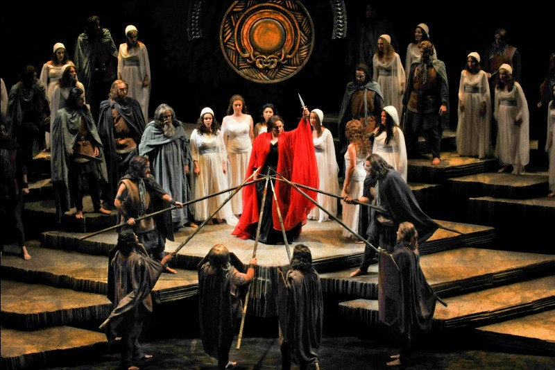 "Qui a composé l'opéra ""Norma"" ?"