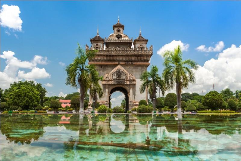Vientiane est la capitale de quel pays ?