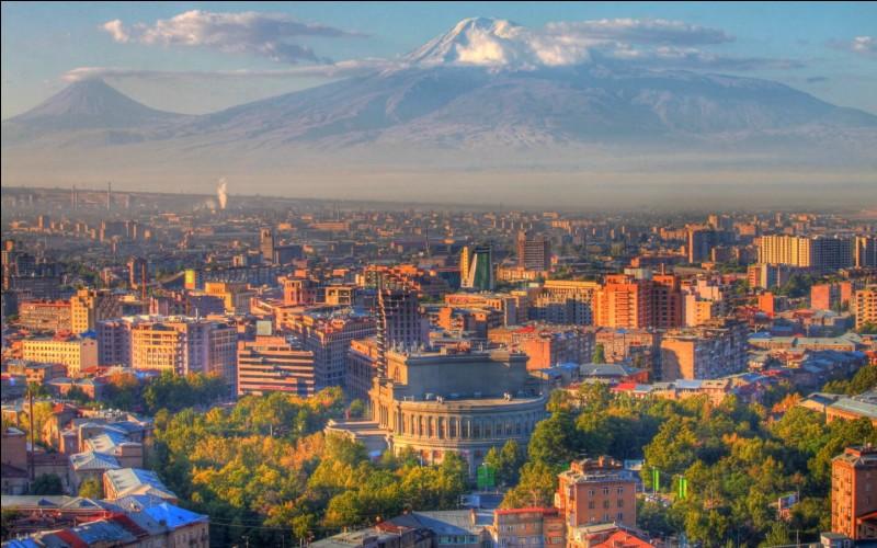 De quel pays, la ville Erevan est-elle la capitale ?