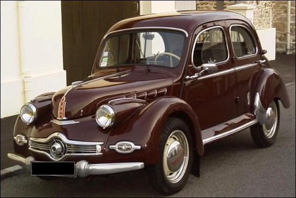 Ce que je dis n'a pas d'importance puisque c'est un pan de l'art automobile qui c'est tourné ! Quelle est cette auto ?