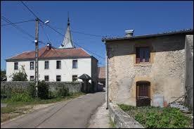 Nous sommes maintenant à Charency, petit village Jurassien de 56 habitants situé en région ...