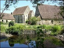 Nous partons dans les Pays-de-la-Loire visiter le prieuré de Mayanne, à Dangeul. Nous serons dans le département ...