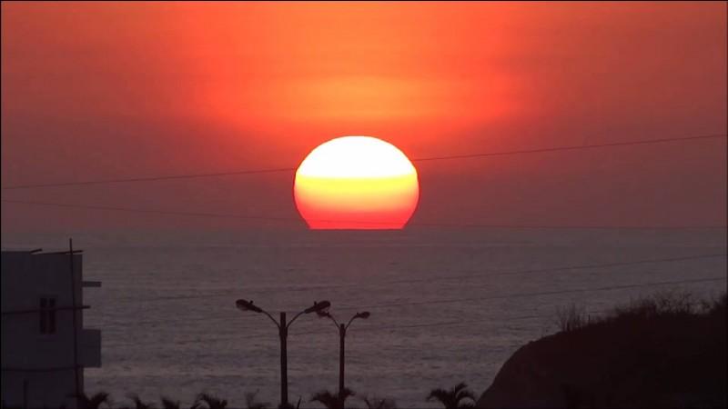 Combien de fois, le Soleil pourrait-il contenir la Terre ?