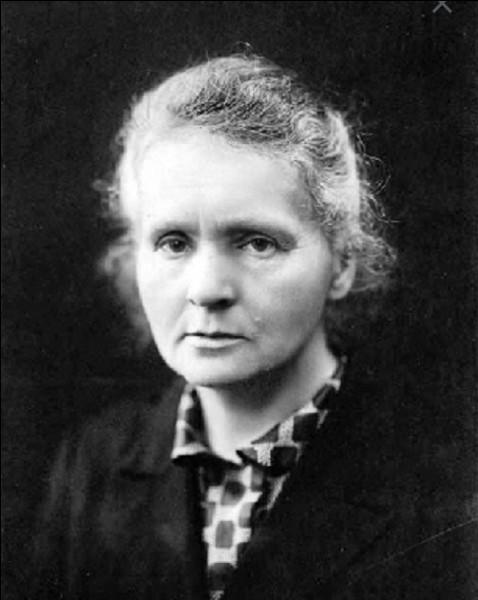 Combien de prix Nobel Marie Curie a-t-elle reçus ?
