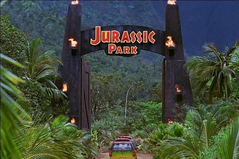 """""""Jurassic Park"""" est un long-métrage réalisé par George Lucas."""